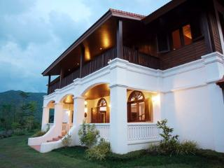 Lanna Hill House. Beautiful colonial style villa in stunning rural location., Chiang Mai