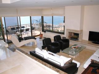 Living Room with TV/DVD &Terrace Dining Area