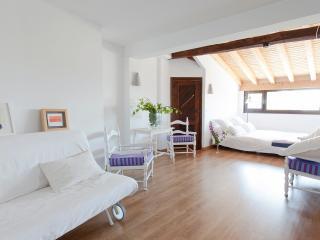 De lujo: confortable, espacioso, con mucha luz y sol.....