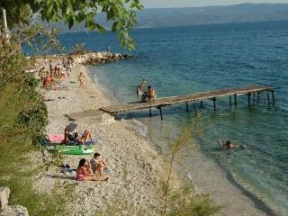 Apaprtments 40m to the beach, Dugi Rat