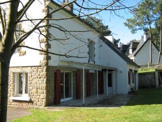 Villa KEREVN 6 ch 11-12 pers -1100 m2 de jardin clos