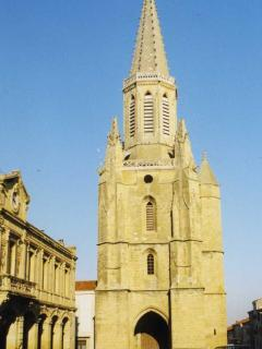 The gothic church at Boulogne sur Gesse set on the town square is worth a trip into town