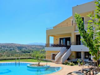 6 Bedroom Villa with Pool, Chania Town