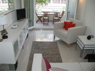 Beautifully bright 1 bedroom aparment in Nice, 50 meters from Promenade des Anglais and beach, Niza