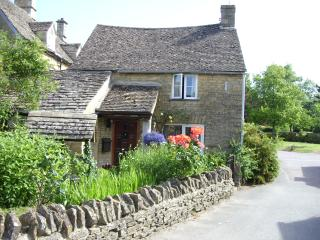 Well Cottage, a charming C16th Detached Cottage