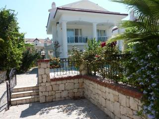 Palm Villa with private pool & 3 ensuite bedrooms, Fethiye