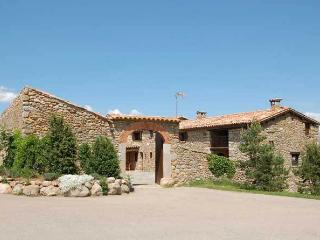 Cal Barrau, Nefol. Magnifica masia en el Pirineo