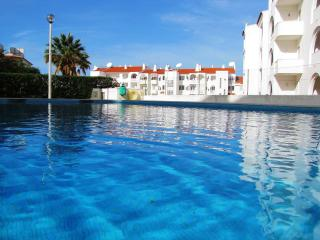 Apartment with garden, swimming pool, near Beach, Albufeira