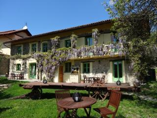 Wonderful rural retreat on lavender farm, Spigno Monferrato