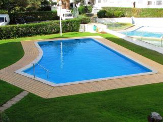 Apartment with garden, swimming pool, near Beach