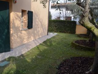 Quiet zone, private garden, Sirmione