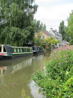 Beauitiful Canal Side Walks into Stratford, only 5 minutes away from Harpe Cottage