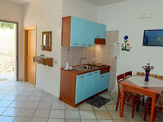 Agropoli Villa Sleeps 4 with Air Con - 5228896