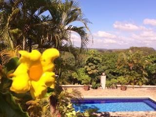 1Eco Friendly Home Near Jaco, Pool & Wi-Fi