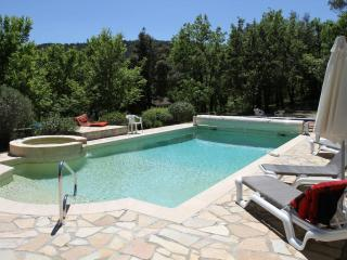 Paradise in Provence - beautiful villa with private heated pool and spa in hills