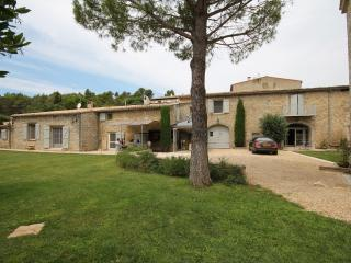 Luxurious barn flat conversation plus garden room, Carcassonne