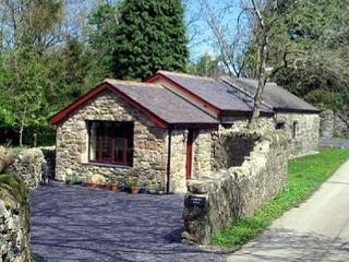 Snowdonia cottage - peaceful setting - 30365, Caernarfon