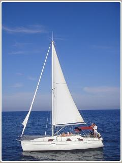 Enjoy our holiday activities: sailing trip