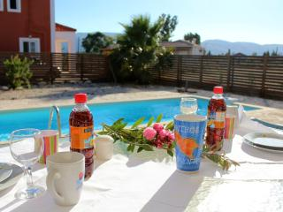 Villa Apollo - beautiful 3 bedroom property sleeps 6 with private swimming pool, Zakynthos