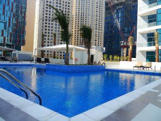 Exclusive Dubai Marina Apt. w/ sea & marina views