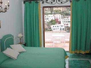 Sally, Panoramic Central Apartment, Positano