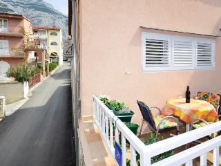Luminous Apartment in Prime Area Ljubica, Makarska