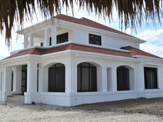 Villas-Holanda, La Ceiba