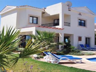 Villa Petra Tou Romiou, Pafos