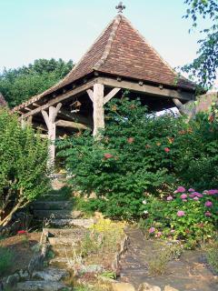 Le portail vu du jardin