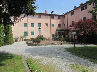 """B&B """"La Fattoria 1700"""", San Martino in Freddana"""