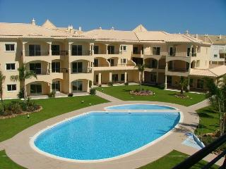 Luxurious apartment/Walking distance to Marina, Vilamoura
