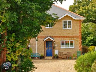 Honeysuckle Cottage, Chestnut Mews, Family Friendly Self Catering holiday cottage. Shanklin, IOW