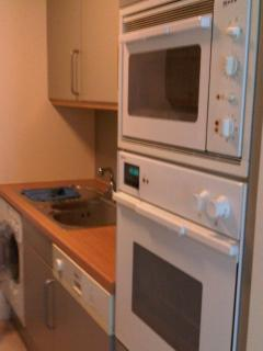 Kitchen, dishwasher, washing machine, oven, grill oven