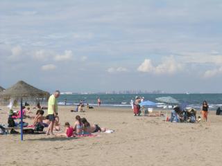 Tram - L4 direct > Las Arenas 'Blue flag' sandy beaches 15 min. Metrovalencia maps etc