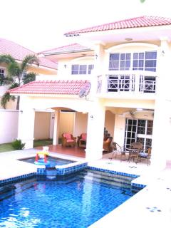 Luxury Villa with Large Private Pool & Outside Bedroom Balcony's!