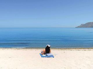 Azure Beach Two Bedroom Villa, Nopigia