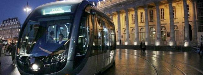 Opéra et notre magnifique tramway.