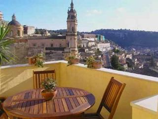 Romantic house with terrace, Modica