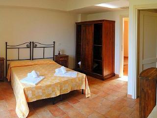 3 bedroom Villa in Sovana, Tuscany, Italy : ref 5228752