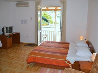 Studio apt with parking included, Dubrovnik