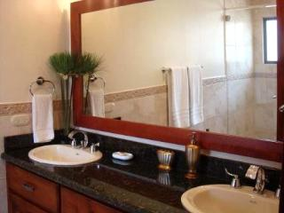 Luxury Apartments - central location - great service