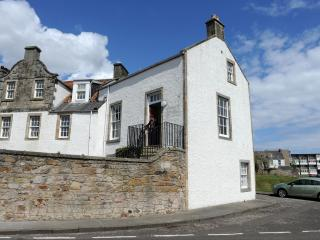 John McDouall Stuart View - Period Apartment on Fife Coast with Sea Views, Dysart