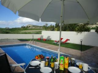 Shepherd's View - a Quality Family Holiday, Anafotida