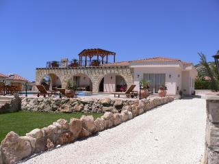 Penmere Villa, Peyia
