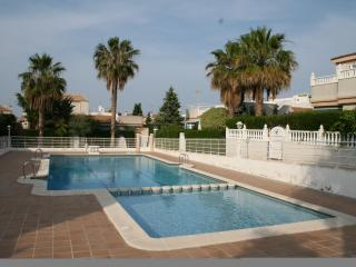 Fantastic one bed quad house, Alicante