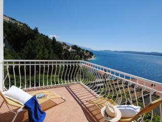 Villa Sunny for 7 persons in Celina near Omis