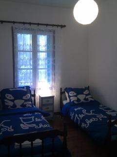 Second Bedroom (Single Beds)