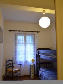 Second Bedroom (Bunk Beds)