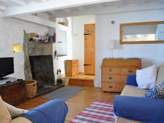 Seagull Barn  - Romantic barn with woodburner, Boscastle