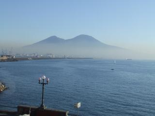 Casa Bellevue, Naples